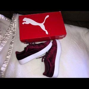 Never worn! Womens 11 Burgandy Puma Sneakers